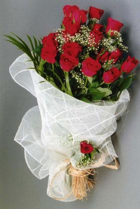 10 adet kirmizi güllerden buket çiçegi  Ordu kaliteli taze ve ucuz çiçekler