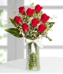 7 Adet vazoda kırmızı gül sevgiliye özel  Ordu hediye çiçek yolla