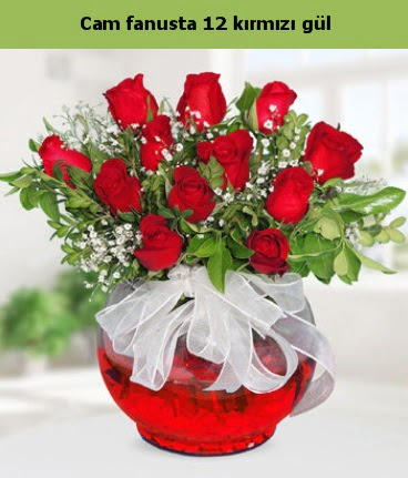 Cam içerisinde 12 adet kırmızı gül  Ordu çiçekçi mağazası