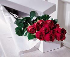 Ordu çiçek gönderme  özel kutuda 12 adet gül