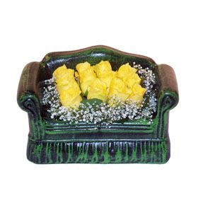 Seramik koltuk 12 sari gül   Ordu çiçek satışı