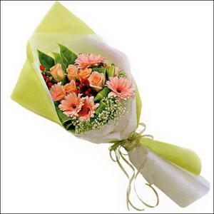 sade güllü buket demeti  Ordu ucuz çiçek gönder