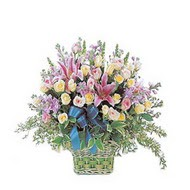 sepette kazablanka ve güller   Ordu çiçek gönderme sitemiz güvenlidir