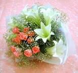 Ordu İnternetten çiçek siparişi  lilyum ve 7 adet gül buket