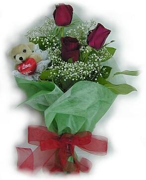 3 adet gül ve küçük ayicik buketi  Ordu çiçek siparişi vermek