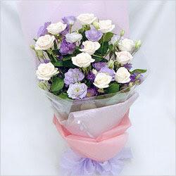 Ordu çiçekçi mağazası  BEYAZ GÜLLER VE KIR ÇIÇEKLERIS BUKETI