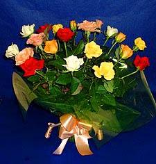 Ordu çiçek , çiçekçi , çiçekçilik  13 adet karisik renkli güller