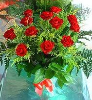 12 adet gül buketi  Ordu uluslararası çiçek gönderme