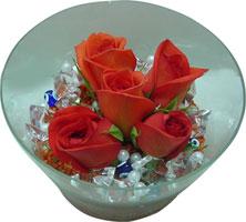 Ordu cicekciler , cicek siparisi  5 adet gül ve cam tanzimde çiçekler