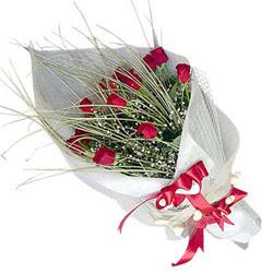 Ordu kaliteli taze ve ucuz çiçekler  11 adet kirmizi gül buket- Her gönderim için ideal