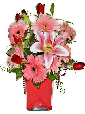 Ordu çiçek siparişi vermek  karisik cam yada mika vazoda mevsim çiçekleri mevsim demeti