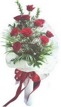 Ordu çiçek , çiçekçi , çiçekçilik  10 adet kirmizi gülden buket tanzimi özel anlara