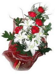 Ordu çiçek servisi , çiçekçi adresleri  5 adet kirmizi gül 1 adet kazablanka çiçegi buketi