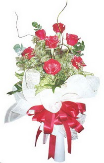 Ordu hediye çiçek yolla  7 adet kirmizi gül buketi