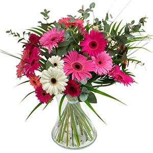15 adet gerbera ve vazo çiçek tanzimi  Ordu internetten çiçek siparişi