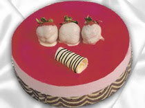 pasta siparisi 4 ile 6 kisilik yas pasta çilekli yaspasta  Ordu hediye sevgilime hediye çiçek