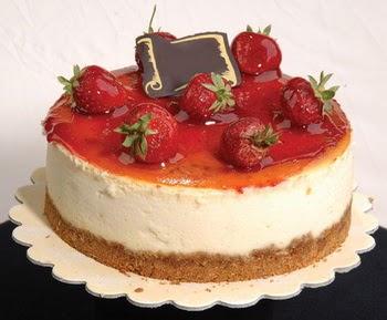 online pastaci 4 ile 6 kisilik yas pasta çilekli  Ordu hediye çiçek yolla