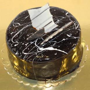 pasta gönder 4 ile 6 kisilik parça çikolatali yaspasta  Ordu internetten çiçek satışı