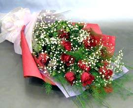 10 adet kirmizi gül çiçegi gönder  Ordu uluslararası çiçek gönderme