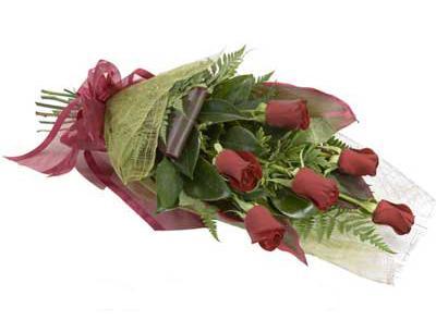 ucuz çiçek siparisi 6 adet kirmizi gül buket  Ordu hediye çiçek yolla