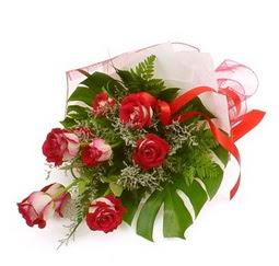 Çiçek gönder 9 adet kirmizi gül buketi  Ordu çiçekçiler