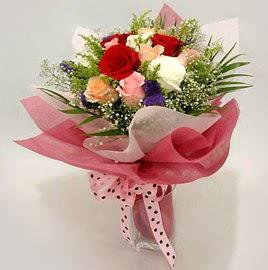 Karisik renklerde 11 adet gül buketi  Ordu çiçek gönderme sitemiz güvenlidir