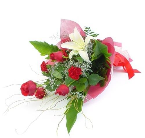 Mevsim çiçeklerinden karisik buket  Ordu çiçek siparişi vermek