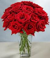 Ordu ucuz çiçek gönder  cam vazoda 11 kirmizi gül  Ordu 14 şubat sevgililer günü çiçek