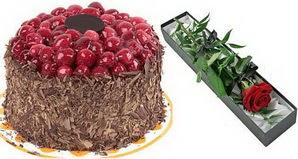 1 adet yas pasta ve 1 adet kutu gül  Ordu cicek , cicekci