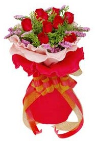 Ordu online çiçek gönderme sipariş  8 Adet kirmizi güllerden buket tanzimi