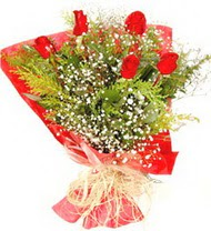 Ordu uluslararası çiçek gönderme  5 adet kirmizi gül buketi demeti