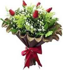 Ordu internetten çiçek siparişi  5 adet kirmizi gül buketi demeti