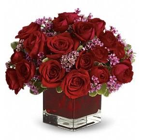 11 adet kırmızı gül vazosu  Ordu çiçek siparişi sitesi