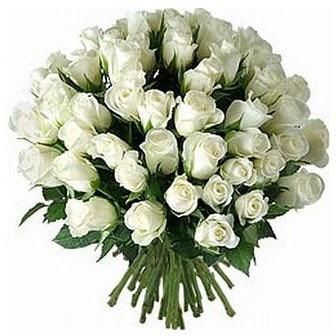 Ordu hediye sevgilime hediye çiçek  33 adet beyaz gül buketi