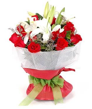 Ordu çiçek , çiçekçi , çiçekçilik  1 dal kazablanka 11 adet kırmızı gül buketi
