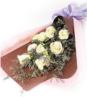 Ordu çiçek siparişi vermek  9 adet beyaz gülden görsel buket çiçeği