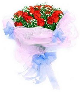 Ordu hediye çiçek yolla  11 adet kırmızı güllerden buket modeli