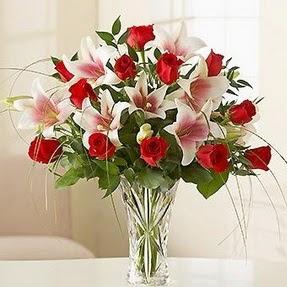 Ordu çiçek online çiçek siparişi  12 adet kırmızı gül 1 dal kazablanka çiçeği