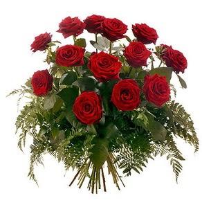 Ordu çiçekçi mağazası  15 adet kırmızı gülden buket