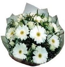 Eşime sevgilime en güzel hediye  Ordu 14 şubat sevgililer günü çiçek