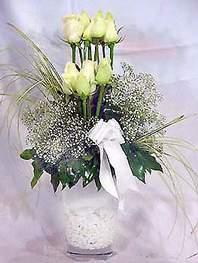 Ordu internetten çiçek siparişi  9 adet vazoda beyaz gül - sevdiklerinize çiçek seçimi