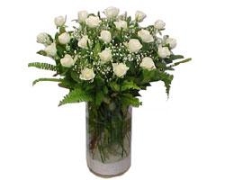Ordu kaliteli taze ve ucuz çiçekler  cam yada mika Vazoda 12 adet beyaz gül - sevenler için ideal seçim