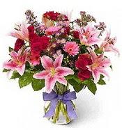 Vazo içerisinde karışık mevsim çiçeği  Ordu hediye çiçek yolla