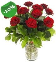 11 adet vazo içerisinde kırmızı gül  Ordu internetten çiçek siparişi