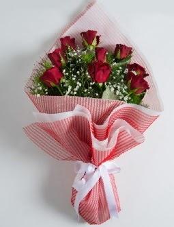 9 adet kırmızı gülden buket  Ordu çiçek gönderme