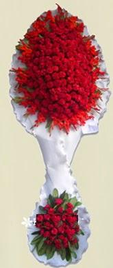 Çift katlı kıpkırmızı düğün açılış çiçeği  Ordu uluslararası çiçek gönderme