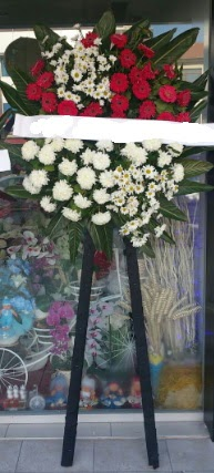 Cenaze çiçeği cenaze çiçek modelleri  Ordu hediye çiçek yolla