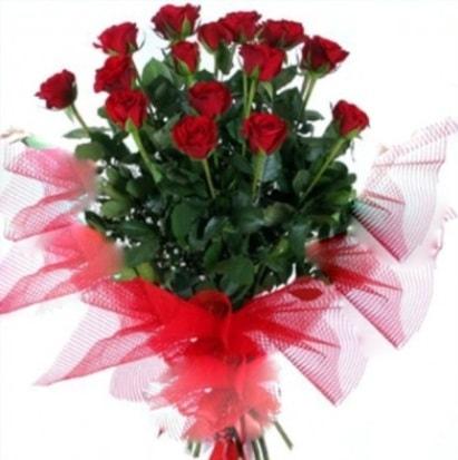 15 adet kırmızı gül buketi  Ordu çiçek siparişi vermek