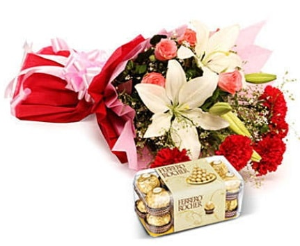 Karışık buket ve kutu çikolata  Ordu çiçekçi telefonları